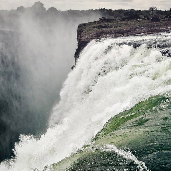 hashtag-holidays-vicfalls-destination